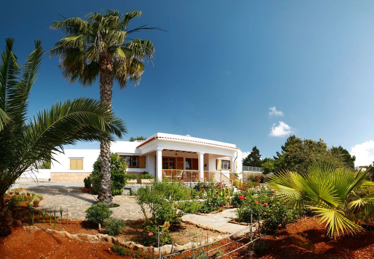 Cottage in Santa Eulalia des Riu - CAN SHORTES