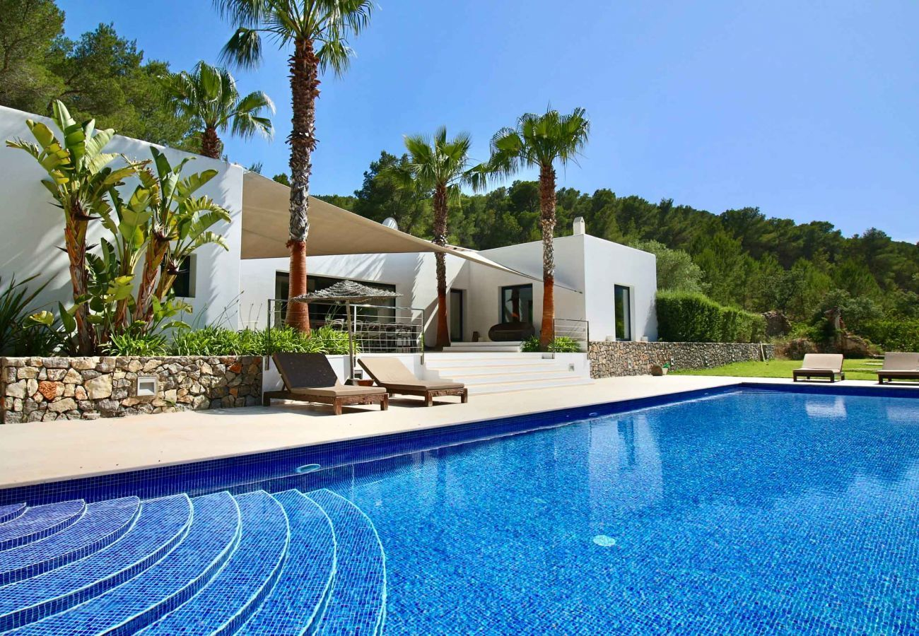 Casa Can Moon in Ibiza and its private swimming pool