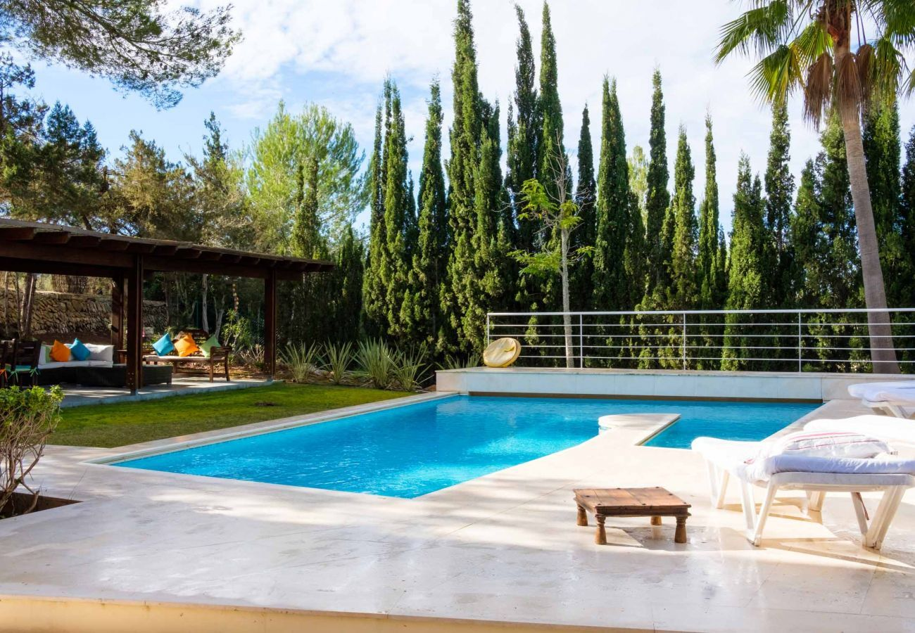 House Can Jaume Curt with private pool